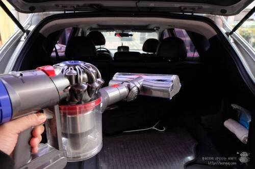 다이슨 V8 카본파이버 무선청소기, 믿음이 된 자동차 실내세차 후기