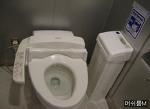 화장실 쓰레기통 이젠 휴지를 먹는다??