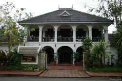 루앙프라방 숙소 Villa Santi Hotel