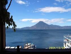 과테말라 아띠뜰란 호수의 매력