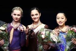 여자 - 메드베데바 우승, 러시아 스윕 실패
