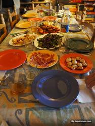 스페인 사람이 손님 초대 시 내오는 음식은 어떤 것이 있을까?