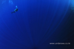 sun beam and diver, Palau