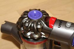 다이슨 V8 플러피 구성품 브러시 무선청소기 성능