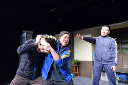 [연극] 화끈한 헤드락 기술의 웃음과 감동의 <헤드락>