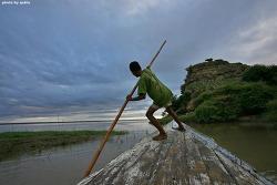 미얀마 바간 여행: 노젖는 아이