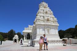 LA에서 만나는 인도 힌두교 사원, 말리부 힌두템플(Malibu Hindu Temple)에서 맨발로 기도하기