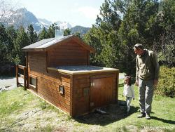한국 재래식보다 더하면 더하는 유럽 시골 화장실