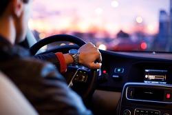 잇따라 터지는 자율주행차 사고, 책임소재와 대책은?