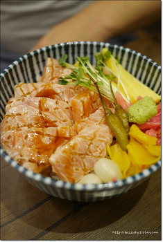 부산대 덮밥맛집 연어덮밥의 갑 마마돈