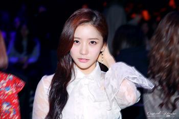 180324 헬로비너스 Hellovenus(유영 YooYoung)  - 서울패션위크 랭앤루 LANG&LU 직찍 8P