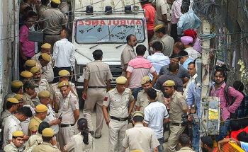 인도 델리, 일가족 11명 숨진 채 발견 - 현지 경찰 타살에 무게를 두고 조사