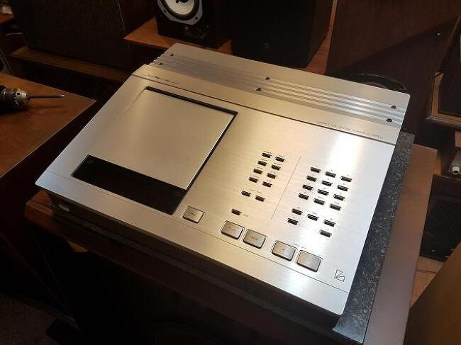 보기드믄 Luxman 럭스만 사의 D-500X's II 시디 플레이어 입니다-신품픽업-