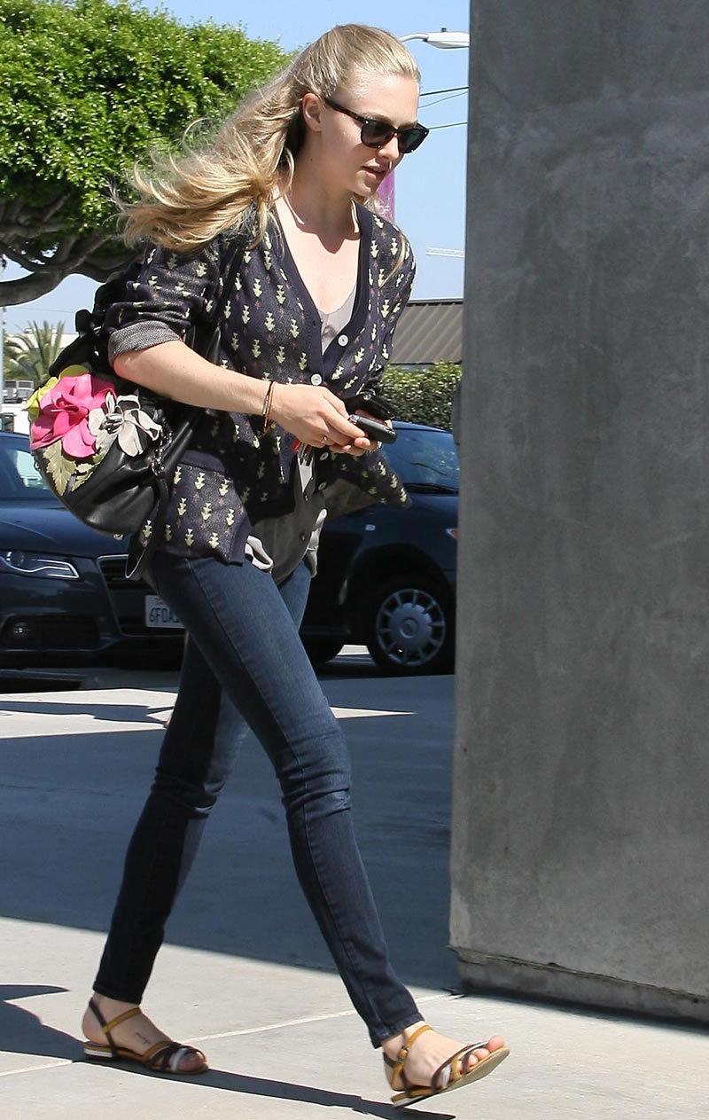 Fashion Style Gossip Man Paparazzi Photos Amanda Seyfried Leona Lewis Kristin Chenoweth