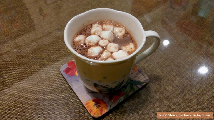 겨울 마시멜로 둥둥 핫초코 코코아