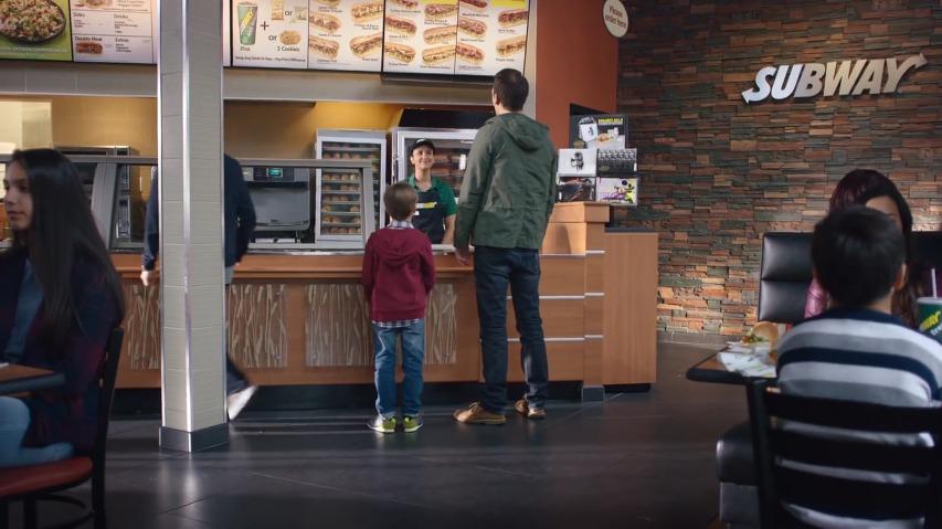 어린이셋트 사은품을 위해 없던 형이 생겼다! 스타워즈 덕후 아빠의 사은품을 위한 거짓말, 서브웨이(Subway) 샌드위치의 프레쉬핏 어린이셋트(Fresh Fit for Kids) TV광고 '스타워즈: 깨어난 포스'편 [한글자막]
