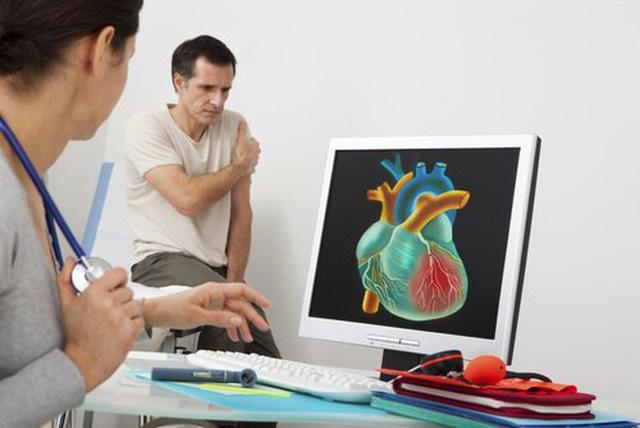 등통증원인 심장마비전조증상
