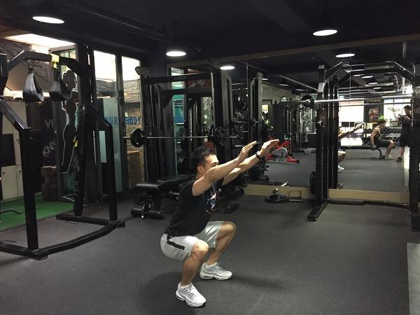 에어스쿼트(air squat)