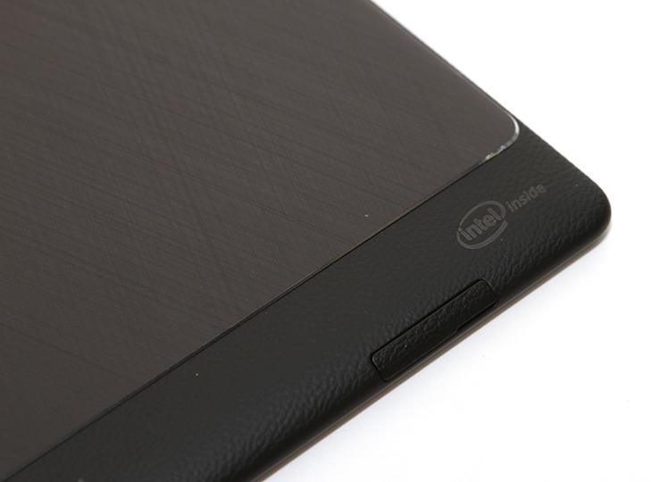 ASUS ZenPad S 8.0 ,(Z580CA), 개봉, 및, 디자인,IT,IT 제품리뷰,젠패드,아수스,에이수스,아수스 젠패드S,젠패드S,젠 패드,패드,아수스,ASUS,Z580CA,ASUS ZenPad S 8.0 (Z580CA) 개봉 및 디자인을 살펴보도록 하겠습니다. CA모델은 가장 상위 모델 중 하나인데요. ZenPad를 컴퓨텍스에서 보긴 했지만 이번 버전은 젠패드S로 디자인이 좀 더 냘렵해지고 세련되어졌습니다. 디스플레이와 성능도 더 많이 높였는데요. ASUS ZenPad S 8.0 (Z580CA)는 64bit Intel Atom Z3580 2.3Ghz를 사용했고 6430 PowerVR 533Mhz의 GPU를 사용했습니다. 4GB의 메모리가 사용되었고 운영체제는 Atom 프로세서를 사용했지만 안드로이드 OS가 들어가 있습니다. 요즘은 미니피씨나 안드로이드 운영체제에서도 Atom 프로세스를 많이 사용하는 추세 입니다. 이 제픔은 특이하게 디스플레이를 2K 해상도를 넣었습니다. 카메라의 경우 F2.0 의 800만화소의 후면 카메라가 사용되었습니다. ASUS ZenPad S 8.0 (Z580CA)는 성능적인 부분에서 가장 상위 모델인데요. Z Stylus를 사용하면 1024레벨의 펜필기도 가능 합니다. 두께도 많이 얇게 했으며 펜까지 사용가능하도록 해서 사용성을 더 높였죠. 디자인 부분은 아래에서 살펴보죠.