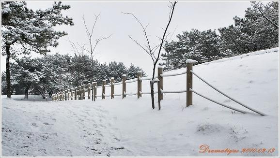 눈온날 보는 금정산성