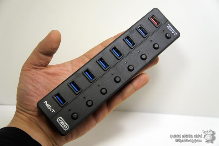 USB 허브, 추천, USB3.0 허브, 유전원, 충전, NEXT UH308, 외양, 디자인