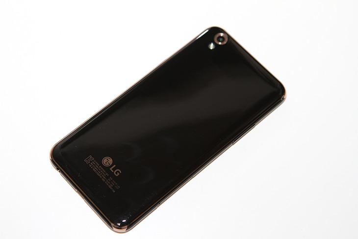 LG U폰, 유플러스전용폰, HD DMB, 깨끗한, 화면 ,괜찮은, 반응속도,IT,IT 제품리뷰,요즘은 저렴하면서도 좋은 폰이 많습니다. 성능이 대부분 좋아져서 그런데요. LG U폰 유플러스전용폰은 HD DMB 깨끗한 화면 괜찮은 반응속도를 가진 스마트폰 이었습니다. 물론 아쉬운 점도 있긴 했는데요. 그런 부분들도 아래에서 쉽게 설명을 해드릴께요. LG U폰 유플러스전용폰은 U+ 유심만 사용이 가능 합니다.