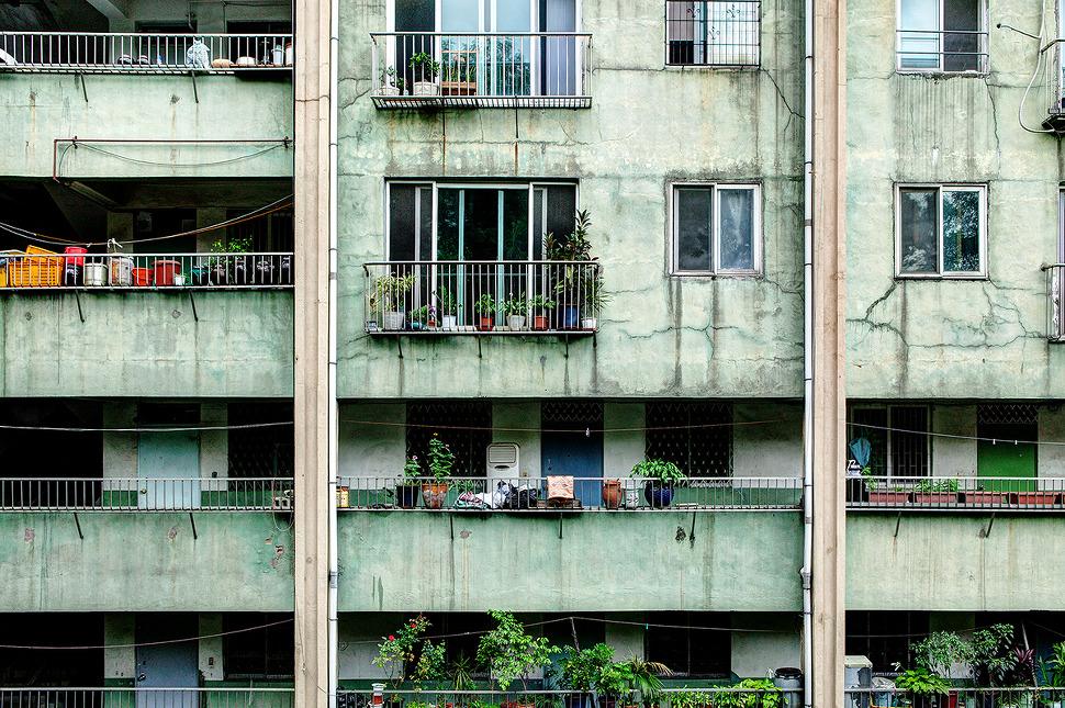 오래된 아파트 - 많은 균열과 노후된 환경도 문제이지만 아마도 수도배관과 관련한 문제들이 가장 많을듯 싶다.
