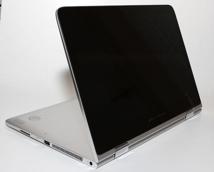 HP 스펙터 X360 성능,HP 스펙터 X360 벤치마크,HP 스펙터 X360 리뷰,HP 스펙터 X360,HP 노트북,IT,IT 제품리뷰,후기,사용기,성능,소음,HP 스펙터 X360 성능 벤치마크 리뷰글을 올려봅니다. 이 모델은 i5와 i7 모델 두가지가 있는데 제가 소개할 모델은 i5 모델입니다. 성능부분은 벤치마크툴을 이용해서 측정할 것이므로 다른 제품과 비교할 때 차이점을 알 수 있을 것 입니다. 전문적인 툴을 이용해서도 HP 스펙터 X360 성능 벤치마크를 해볼테니 그부분도 참고가 되실 것 입니다. 노트북을 고를 때 저는 용도에 맞게 구매하라고 꼭 말을 하는데요. 각 제품이 가지고 있는 특성이 어떤 사용자에게는 딱 맞을 수 도 있고 그렇지 않을 수 도 있습니다. 그래서 무조건 나쁜 노트북이란건 없죠. 노트북을 고를 때 가격 성능 디자인 휴대성 특이성 등 평가할 수 있는 부분이 참 많으니까요. HP 스펙터 X360는 직접 사용해보니 좀 특이한 노트북이었습니다. 이 특이한 부분이 불편할수도 반대로 편할 수 도 있습니다. 영상도 올려놓았으니 그부분음 참고해서 보시면 좋을 것 같습니다.