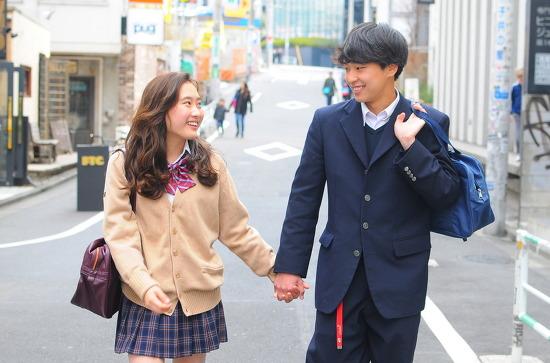 일본 여성들의 첫키스 시기는 언제?