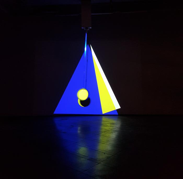 개념과 감각의 과잉 : 갤러리 루프 <컬러 쉬프트> _exhibition review