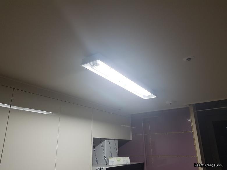 LED형광등가격,LED조명,LED거실등,LED형광등기구,LED형광등만들기,가정용LED형광등,형광등,LED형광등안정기,LED등,형광등LED교체,LED전등,LED일자등,LED램프,LED방등,LED백열등,LED모듈,형광등안정기,LED직관형광등,LED형광등램프 ,간판용LED형광등