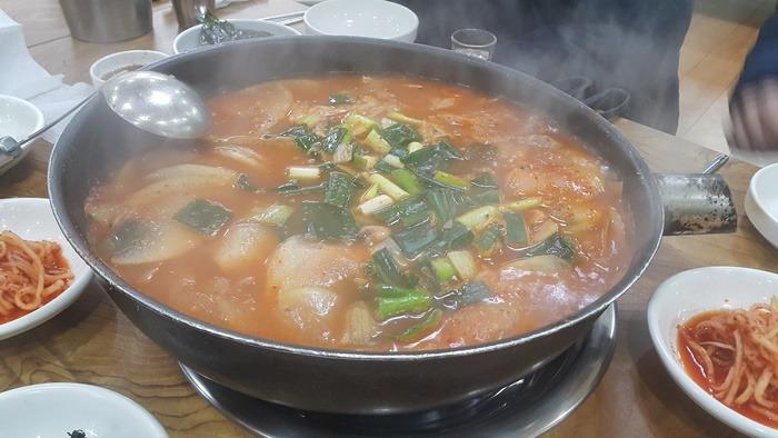 송강동 생태찌게, 생태탕,동태탕, 생태찌게 맛집, 송강 맛집,유성 생태탕, 유성 얼큰한 맛. 홍가네 새우,홍가네 생태탕, 홍가네 식당