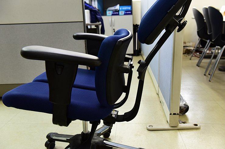 하라체어.좌식의자,사무실의자,사무의자,중역의자.분리형의자.전립선의자,전립선책상,의자선택
