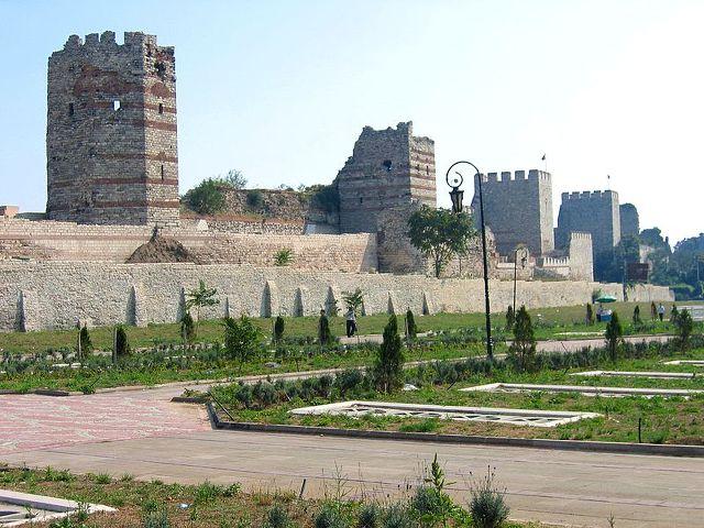 테오도시우스 성벽