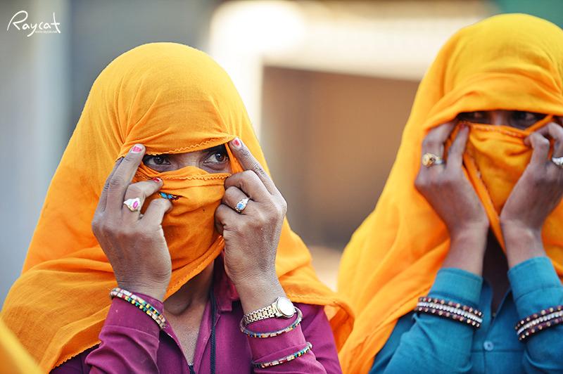 히잡을 두른 여인들