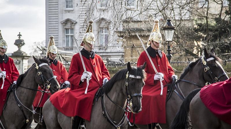 사진: 영국 근위대. 의장대 중에는 기병도 있다. 하지만 근위대는 의장대 소속은 아니다.