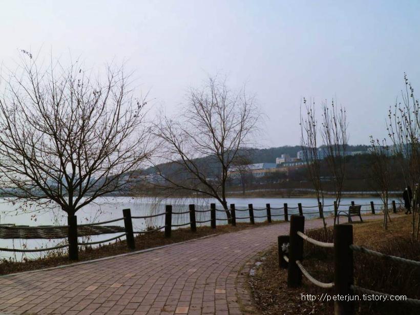 천호저수지 산책길