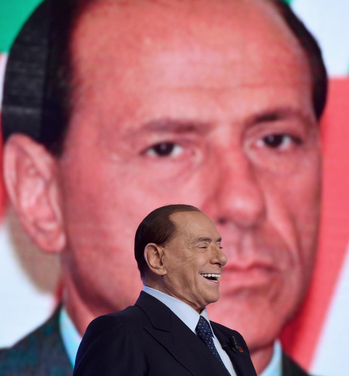 이탈리아 총선 키플레이어 베를루스코니, 관건은 반난민정서